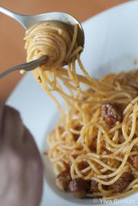 Spaghetti mit Wurstbällchen